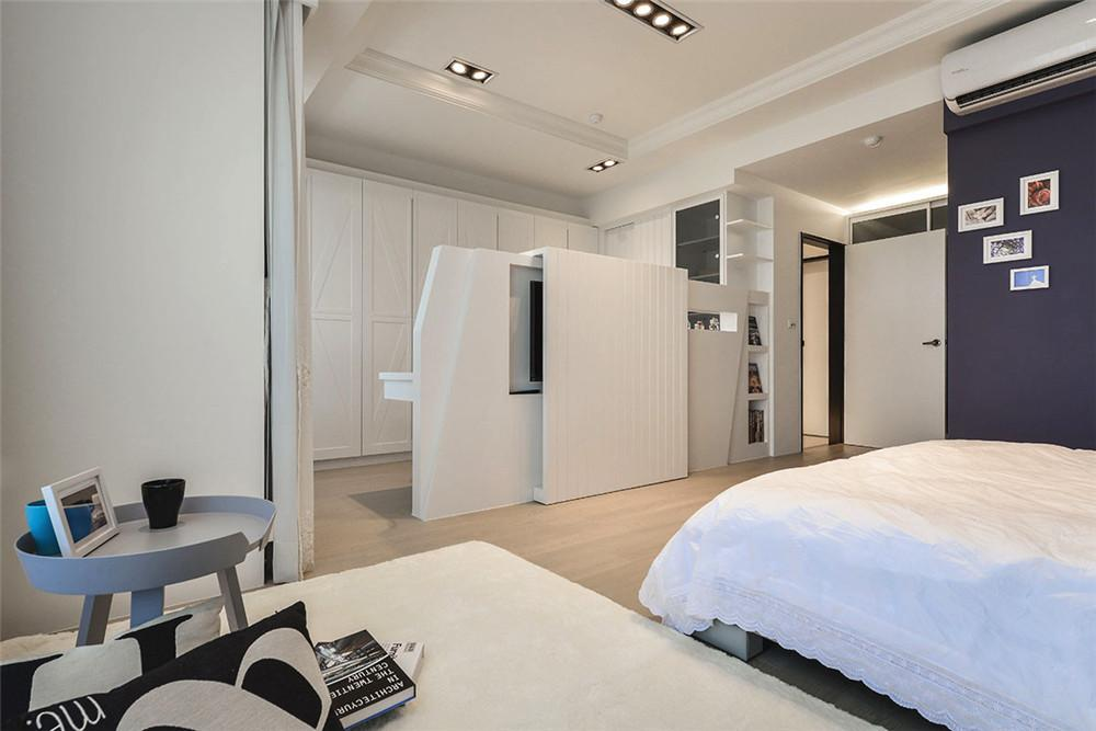 简约现代设计室内卧室白色隔断效果图