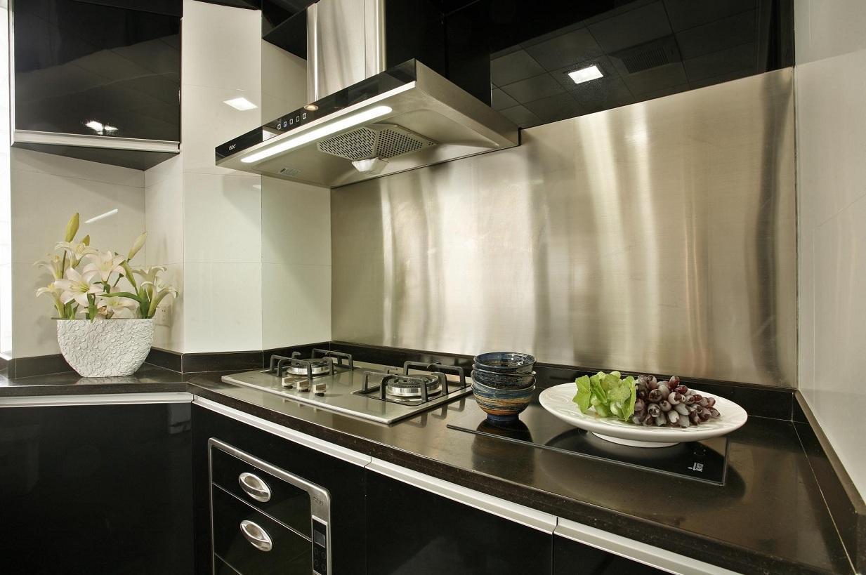现代简约风格厨房黑色橱柜效果图片