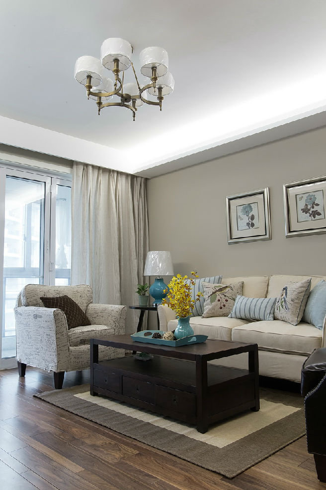 古朴实用美式风格客厅桌装饰效果图