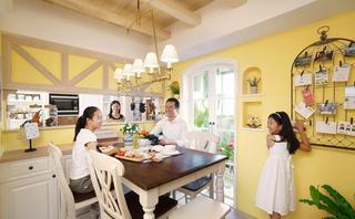 浅黄色清新田园风三室两厅设计装潢图