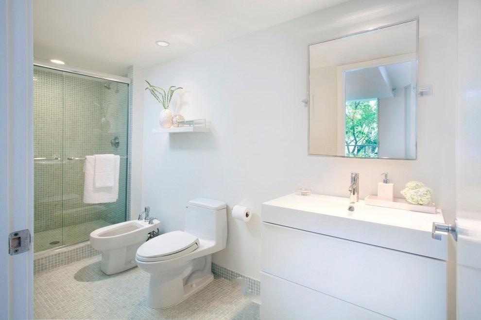 纯白时尚简约风格别墅卫生间设计装修图片