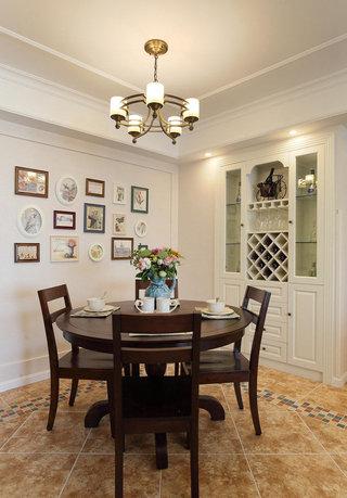 复古美式风格小餐厅照片墙设计