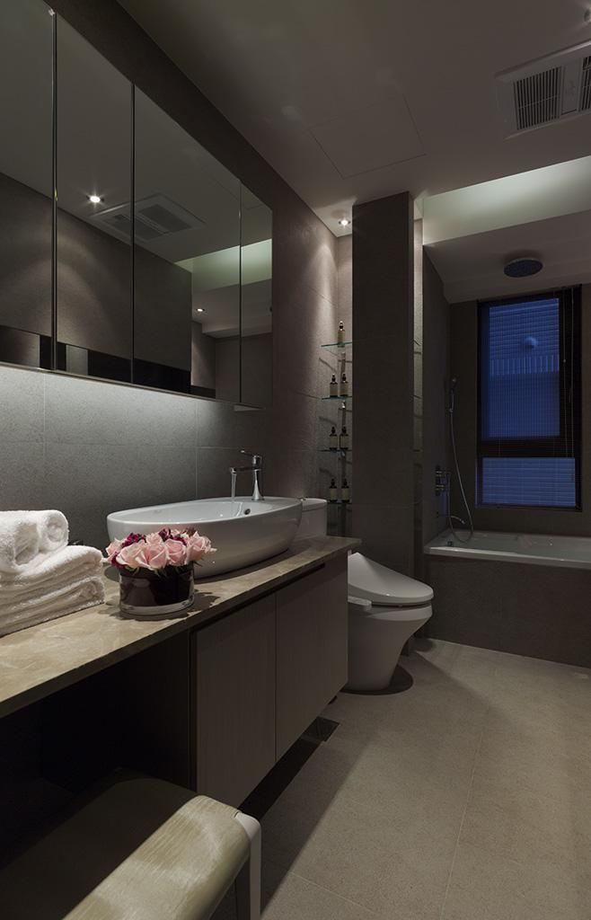 时尚个性大气现代家装卫生间效果图