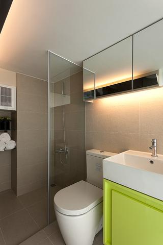 简洁素雅现代卫生间灯光效果图