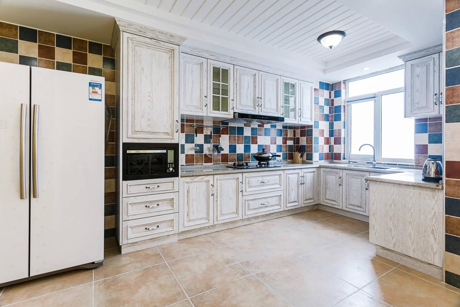 古朴地中海风格厨房整体橱柜设计效果图