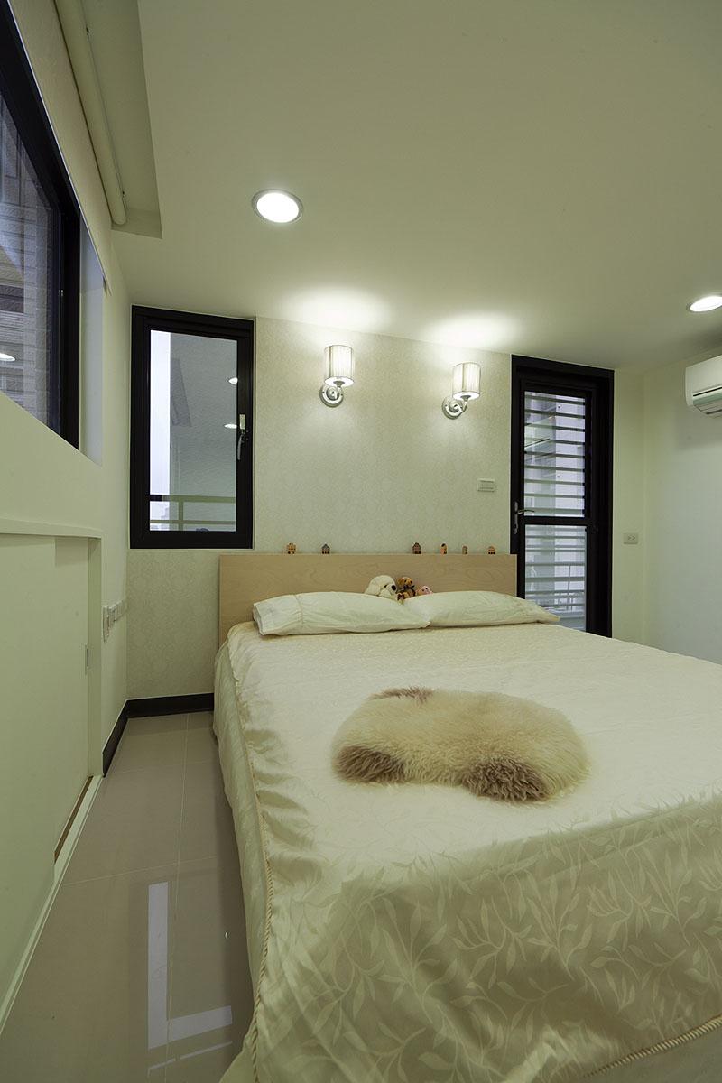 时尚摩登现代复式卧室壁灯设计图