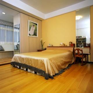 温馨蛋黄色简约现代风格卧室背景墙设计