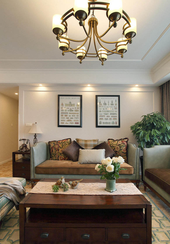 清新复古美式设计风格客厅铁艺吊灯装饰图