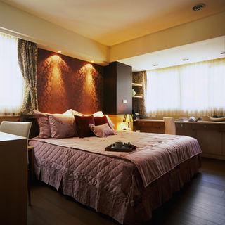 成熟现代感卧室装修欣赏图