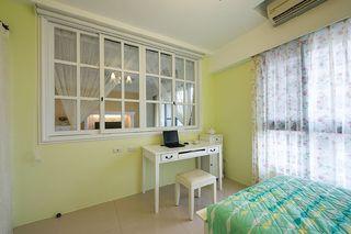 清新浅绿宜家风卧室墙面设计欣赏