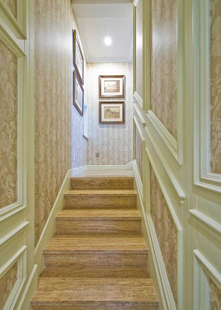 大气豪华欧式原木楼梯设计