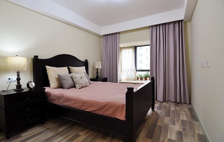 美式风格卧室淡紫色窗帘设计效果图