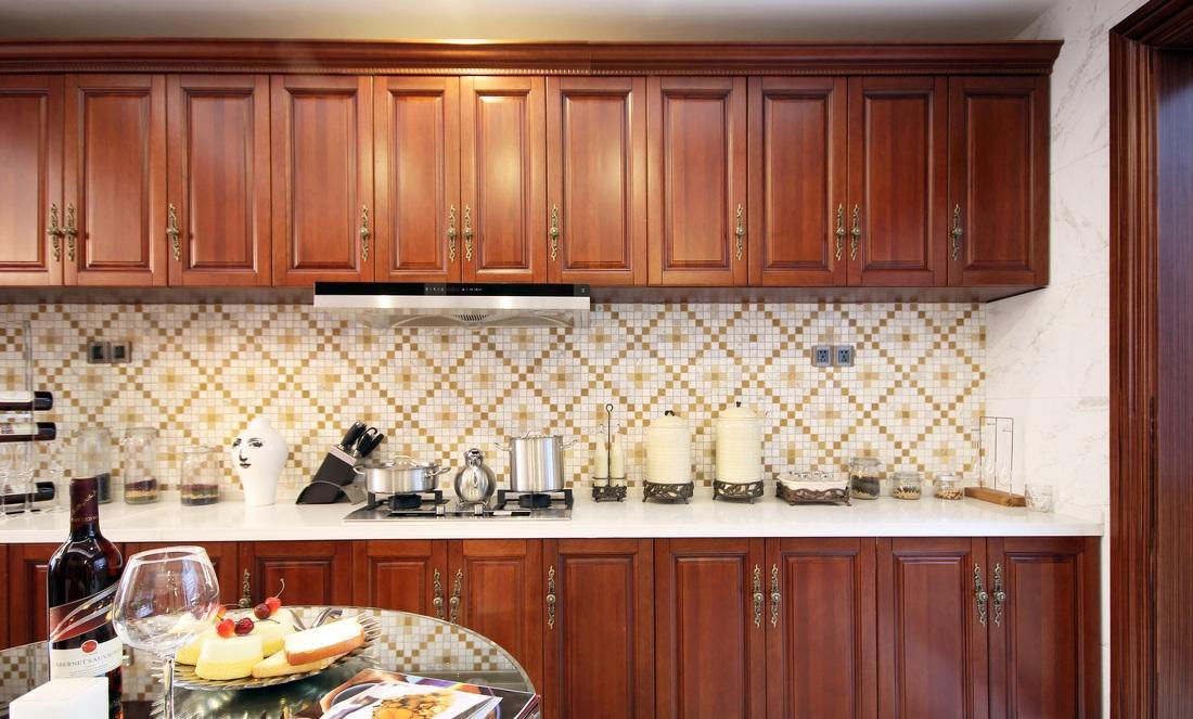 复古欧式风格厨房马赛克背景墙装饰图片