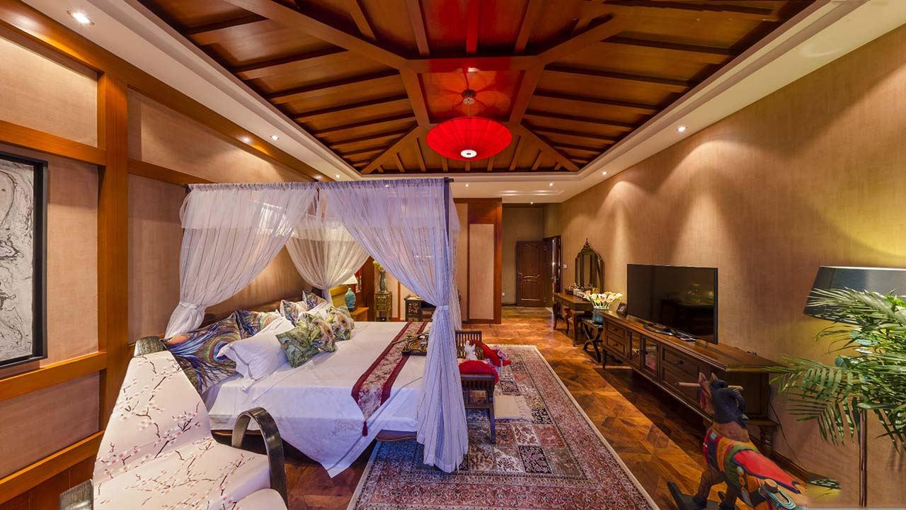 成熟东南亚豪华风格别墅卧室吊顶设计装修图