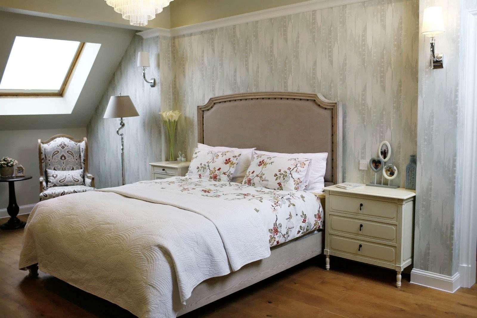 复古悠闲美式不规则卧室窗户设计效果图