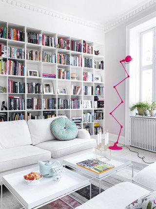 北欧设计装修风格二居客厅书架装饰图