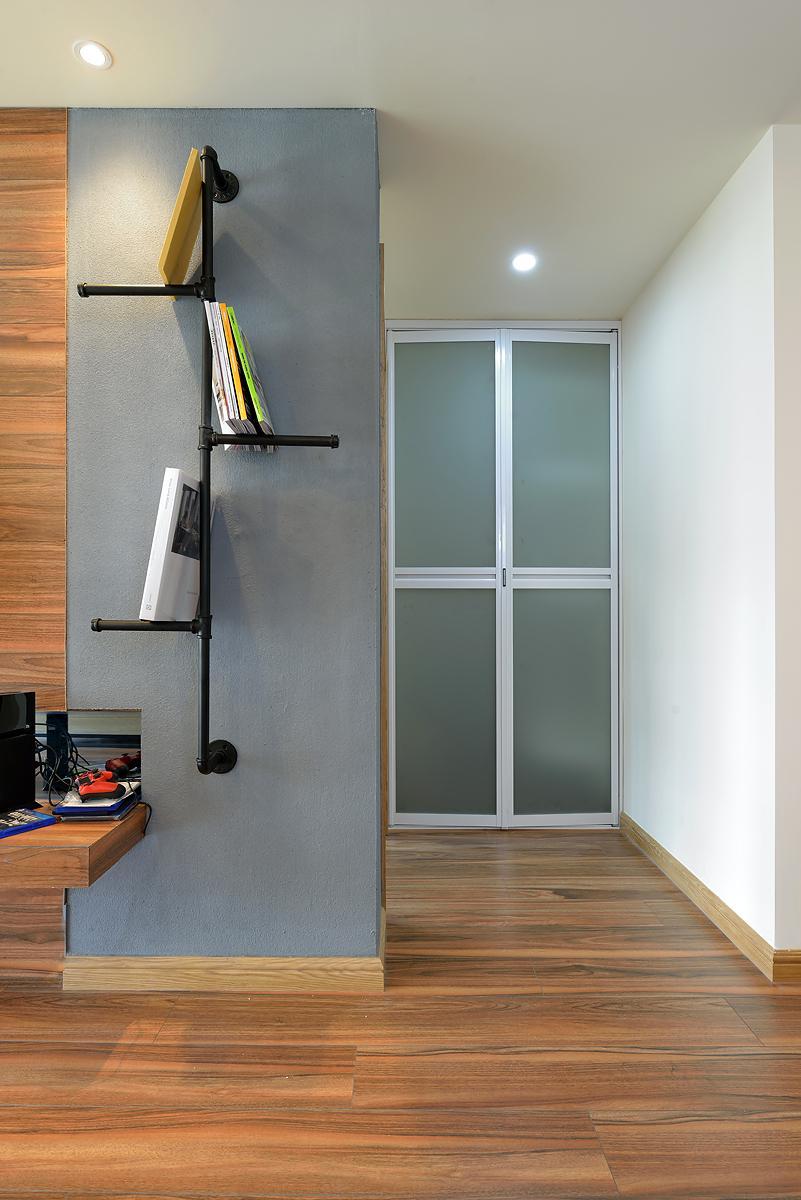 时尚简约装饰二居室内隔断门设计图