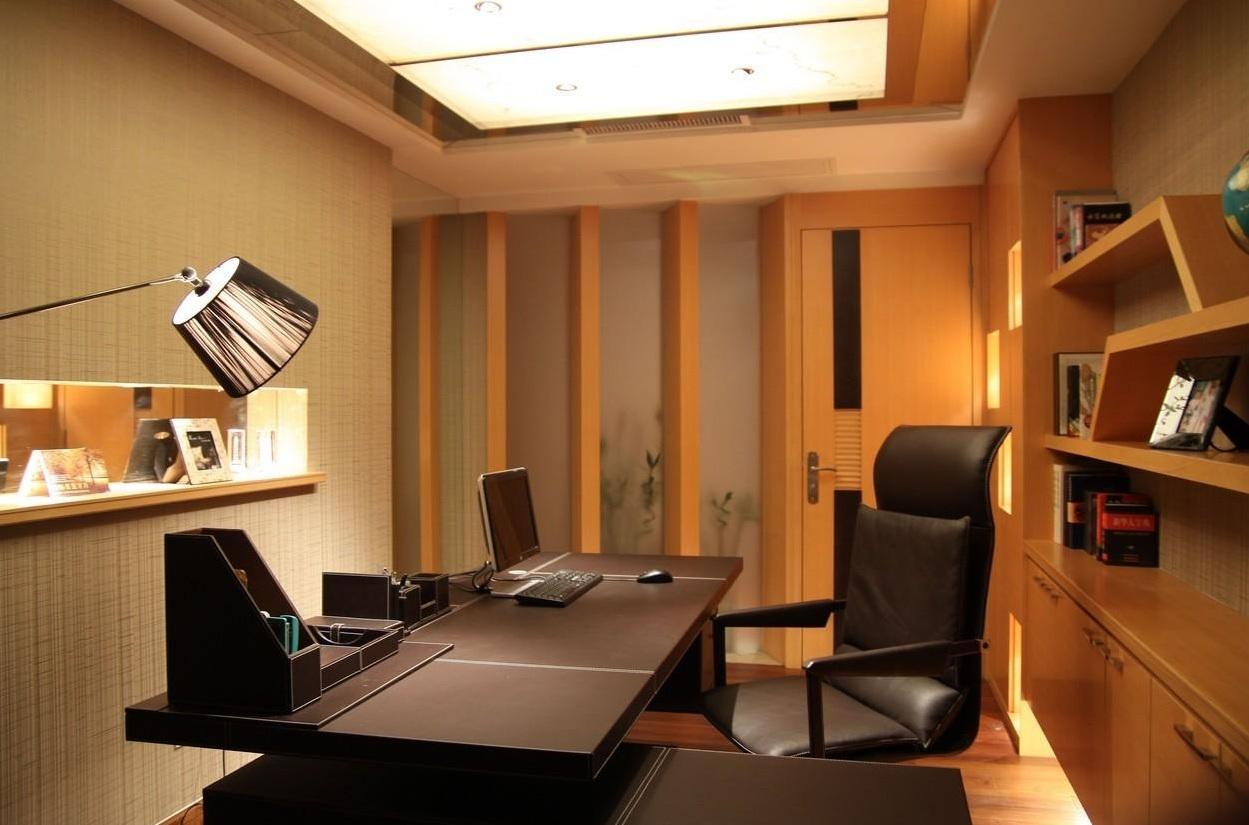 休闲简约设计书房实木隔断装饰效果图片