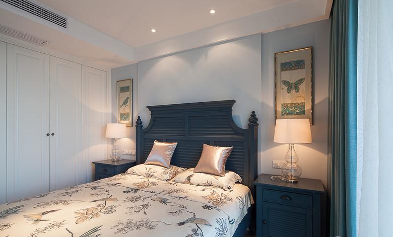 淡蓝色美式风格卧室软装装饰布置效果图