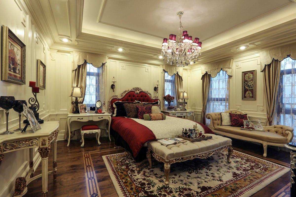 白色华丽欧式卧室装修图片