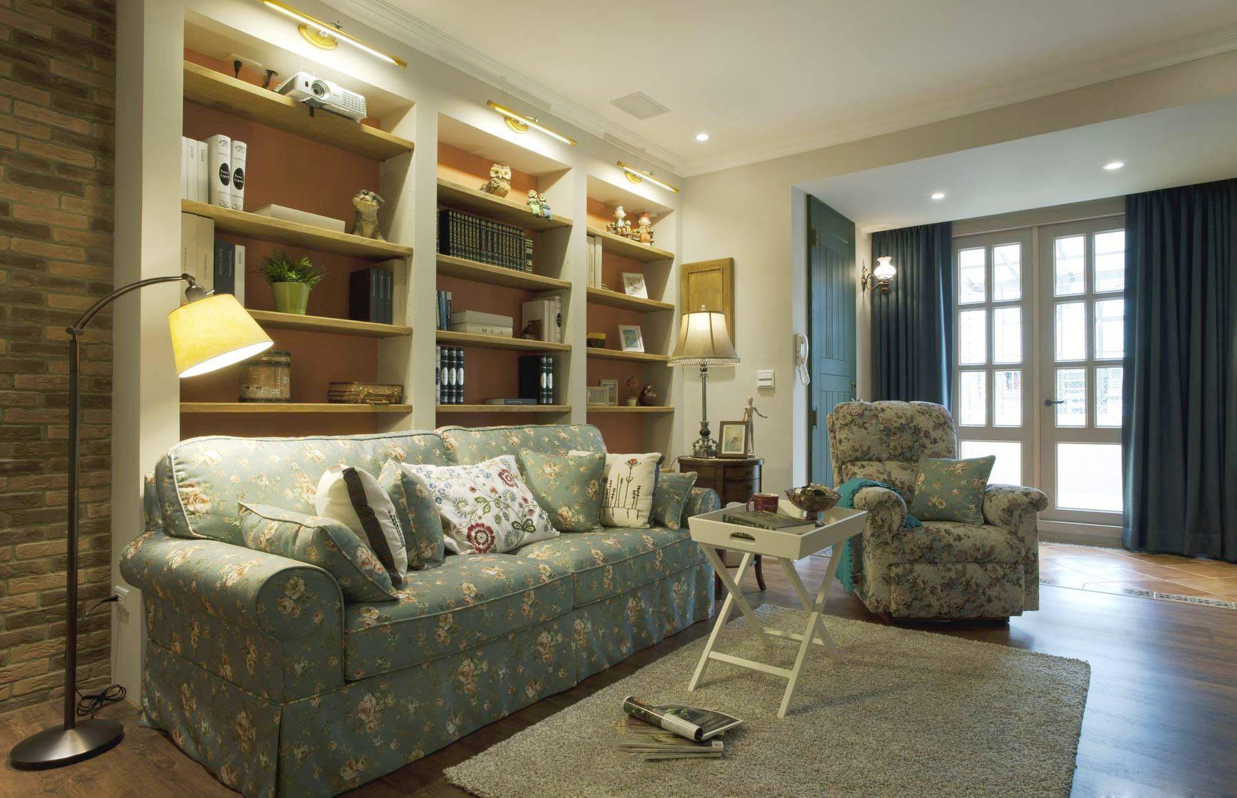 简朴田园风格公寓客厅布艺碎花沙发效果图片