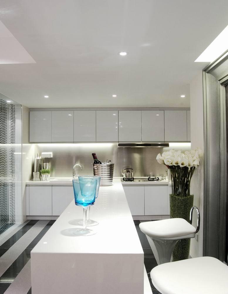 时尚简约现代风厨房白色吧台装修效果图片
