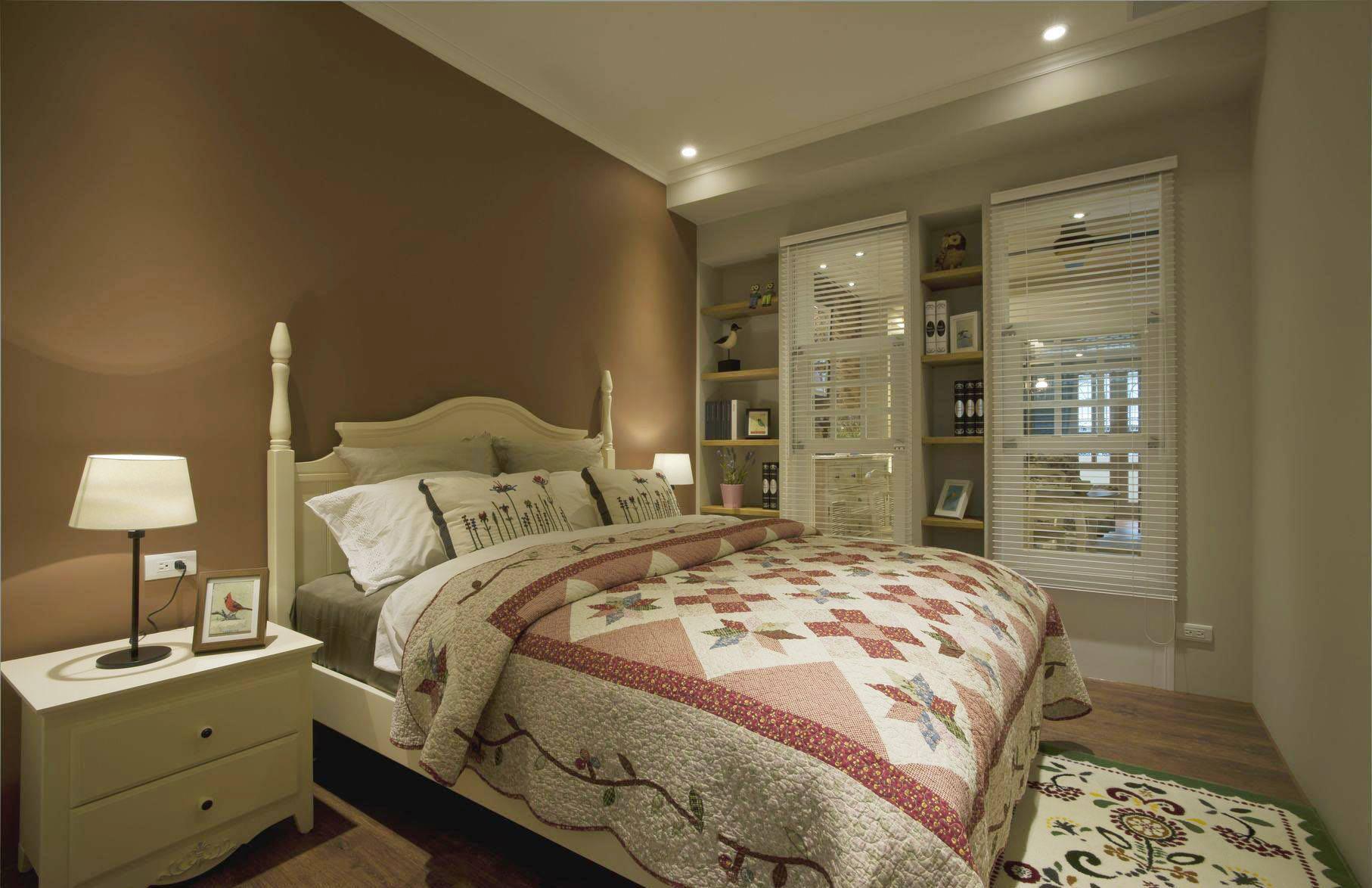 简朴田园风格室内卧室床上用品搭配效果图片