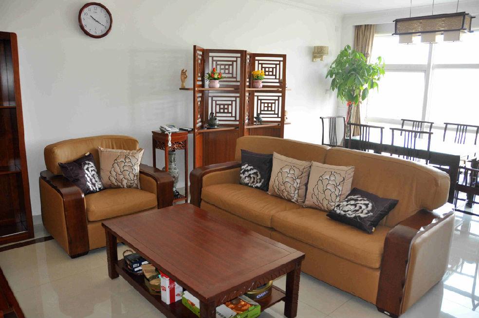 简中式风格二室一厅客厅沙发放置效果图