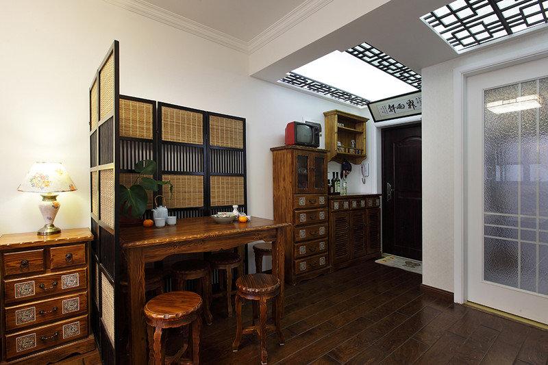 复古中式小户型餐厅隔断效果图