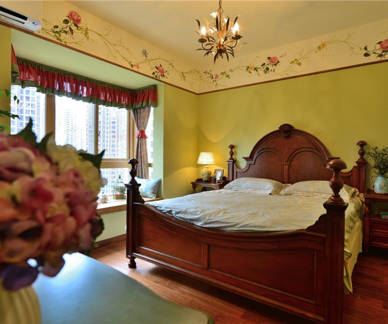古典欧式田园复式卧室实木四柱床装饰效果图