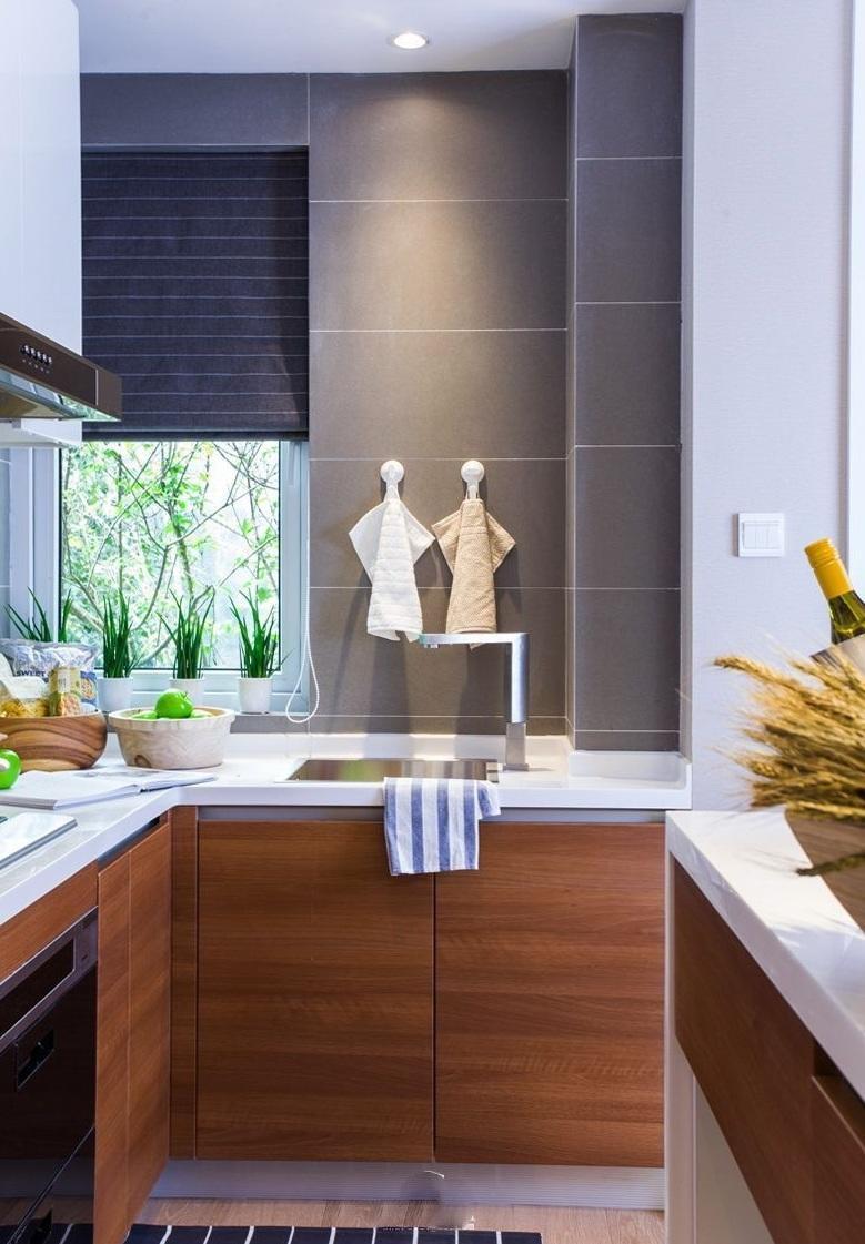 美式简约厨房原木橱柜效果图