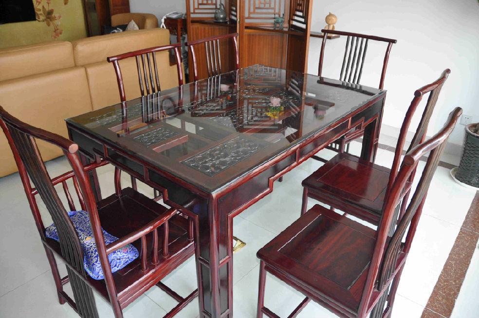 红木中式风格餐厅餐桌椅装饰效果图