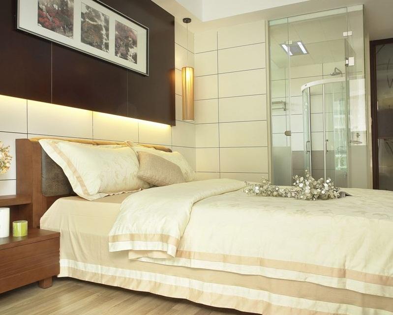 现代新古典卧室照片墙装修效果图片