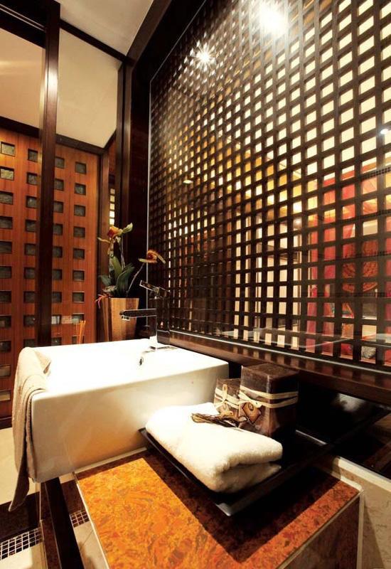 静谧豪华东南亚设计风格卫生间隔断效果图片