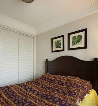 异域风美式设计装潢卧室白色移门衣柜效果图