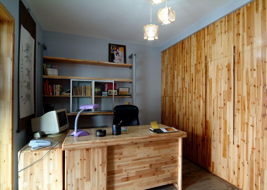 中式田园风格松木书房设计装修效果图