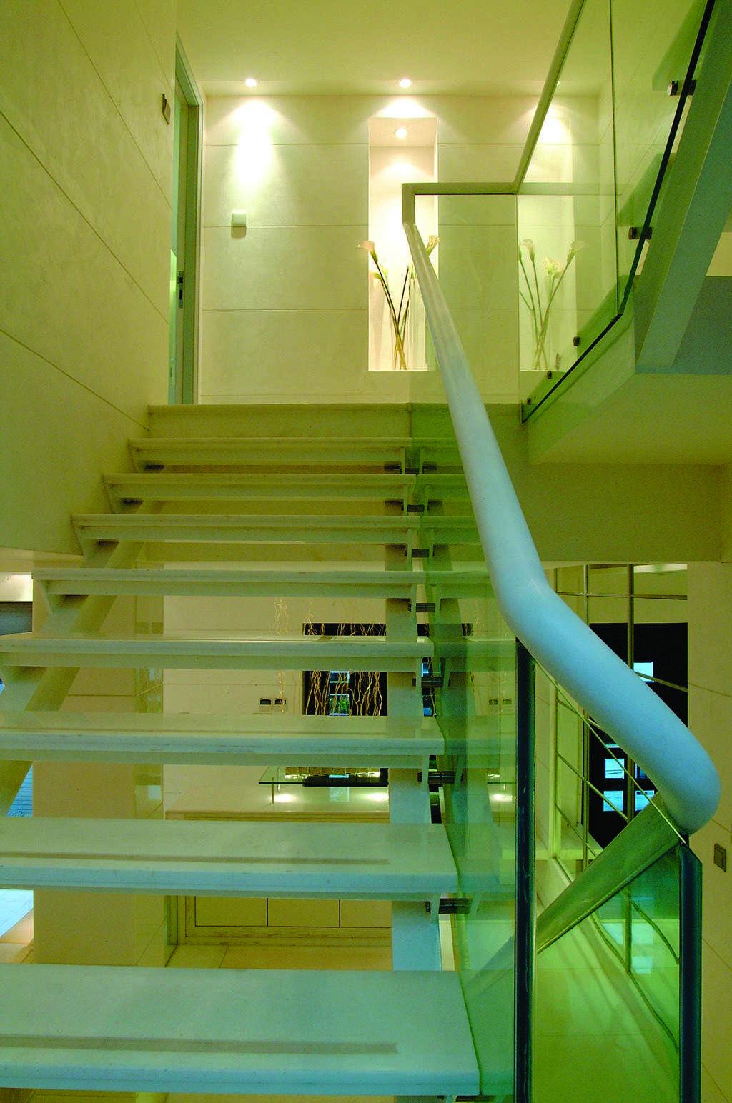 个性简约设计复式楼楼梯效果图