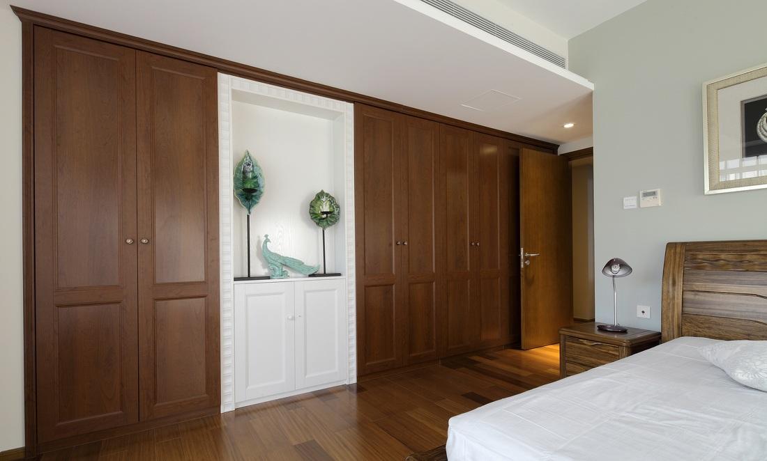 现代实木高端订制衣柜设计装修效果图