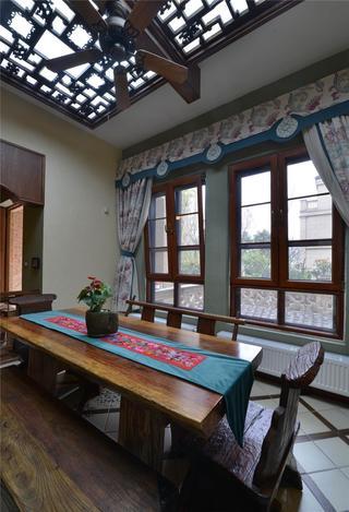 复古中式混搭餐厅镂空吊顶效果图片