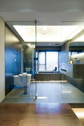 超大现代灰色卫生间设计效果图
