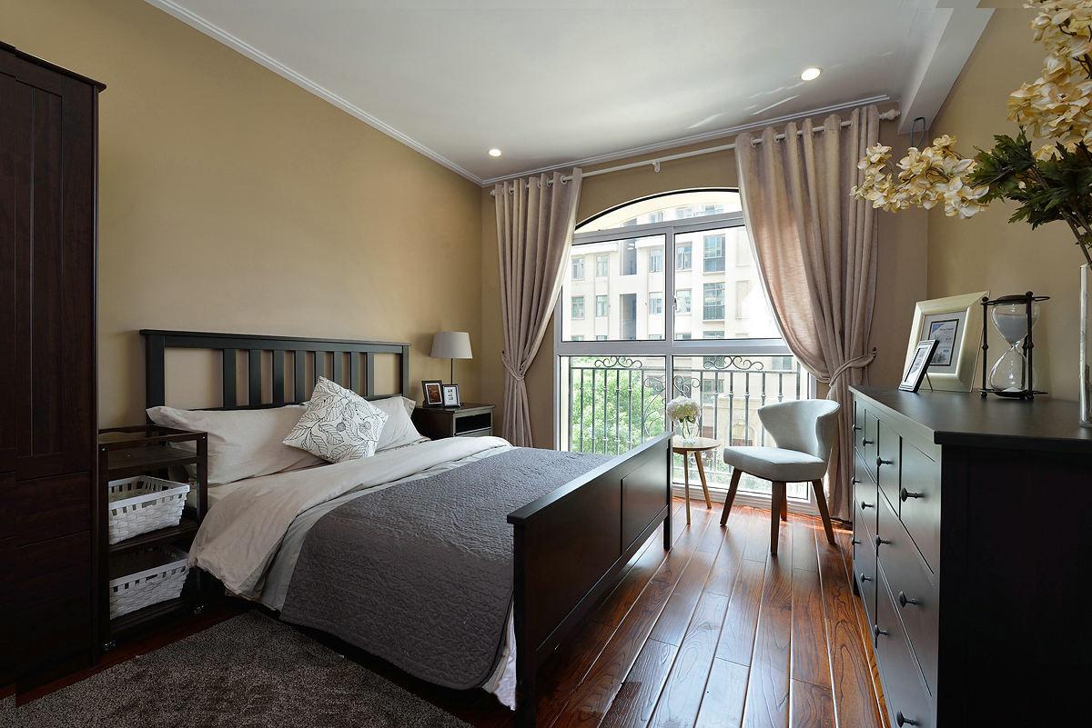 现代美式卧室实木家装设计欣赏图