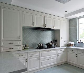 优雅简欧风格厨房白色橱柜效果图