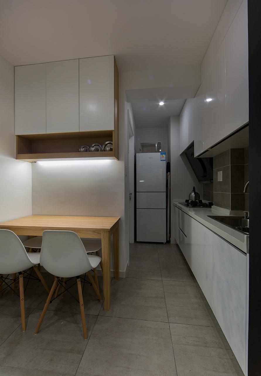 简约宜家风餐厅厨房一体效果图