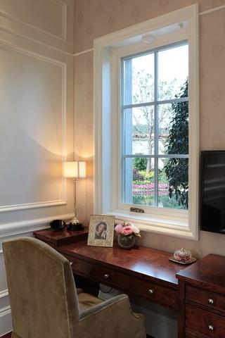 欧式复古风实木书桌效果图