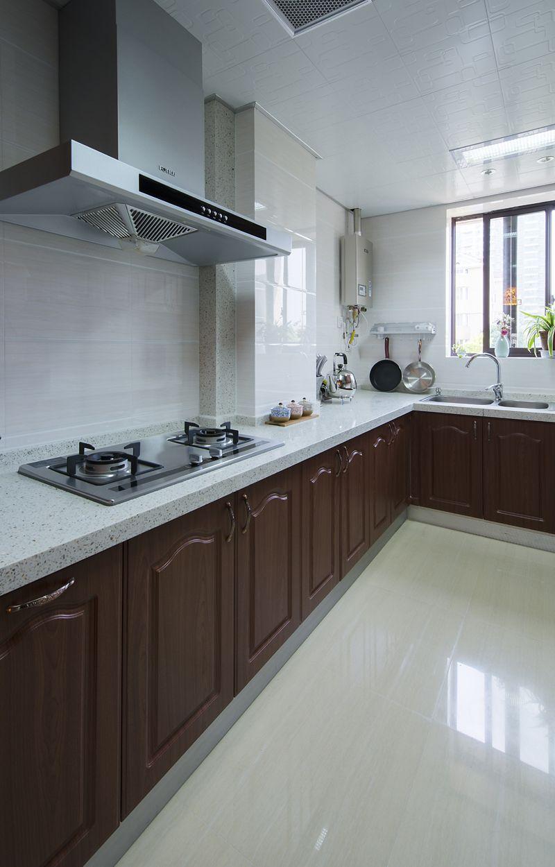 古典欧式别墅现代厨房设计效果图片