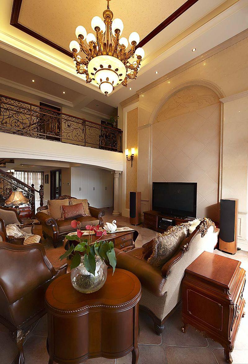 欧式实木复古风复式楼客厅效果图