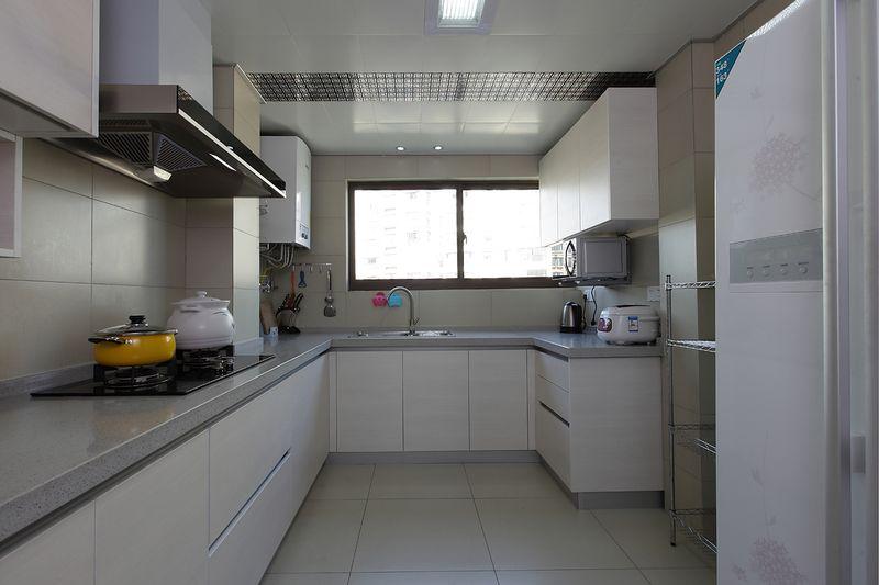 现代简约风厨房白色橱柜效果图