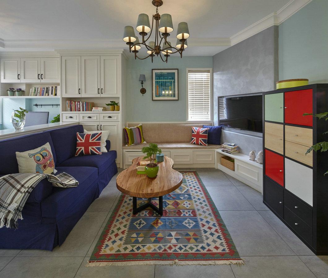 美式多彩客厅蓝色沙发效果图
