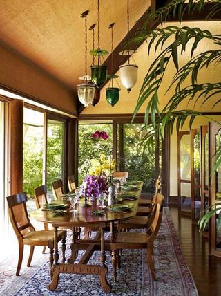 东南亚复古风情别墅餐厅效果图