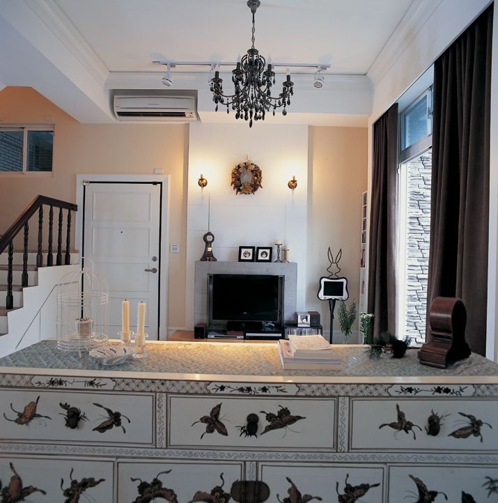 北欧风情吧台入户楼梯客厅装修效果图
